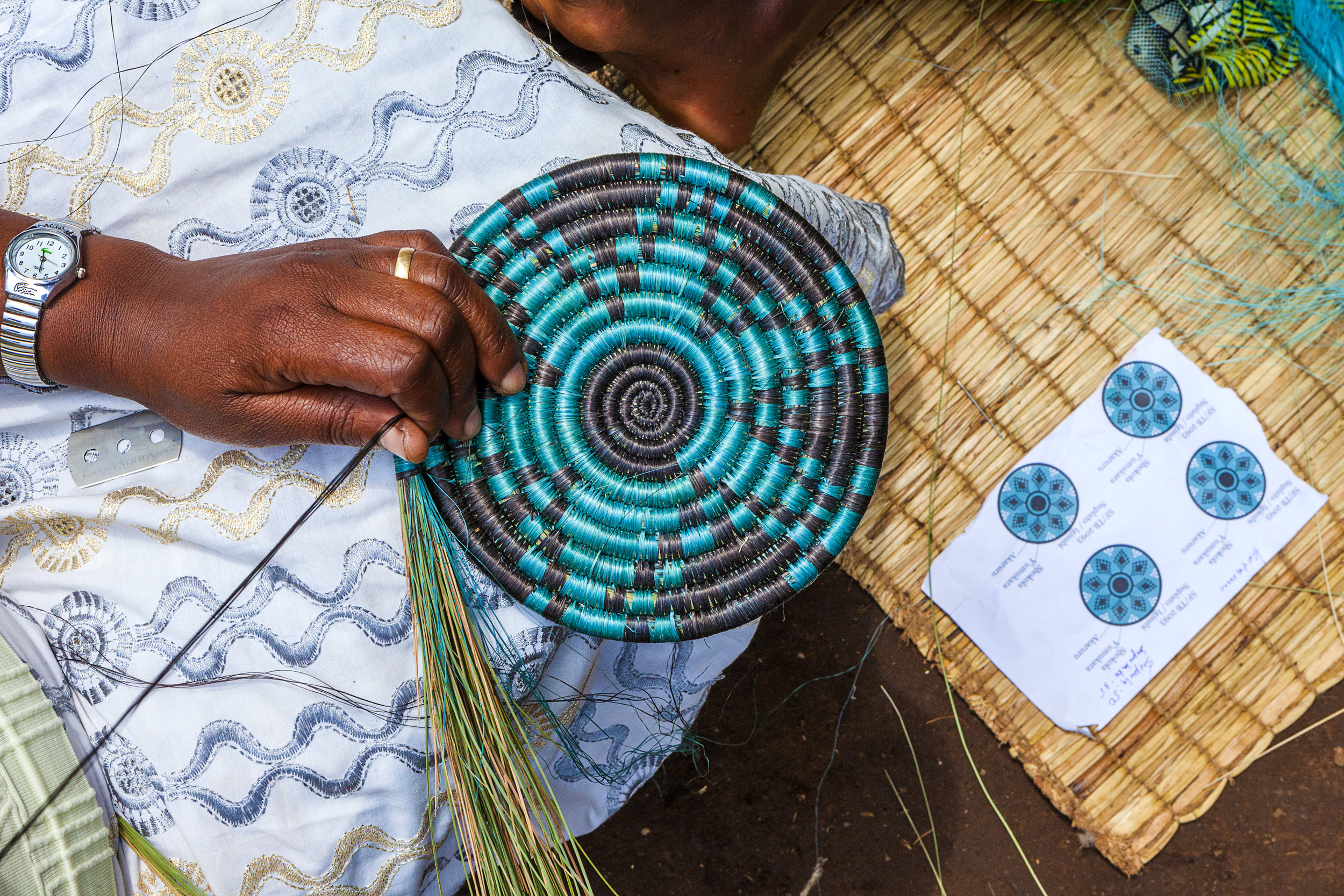 USADF grantee Gahaya Links is an artisan cooperative empowering cross-generations of women and girls, widows and orphans, and Hutu and Tutsi alike to build bridges through artisan enterprise.