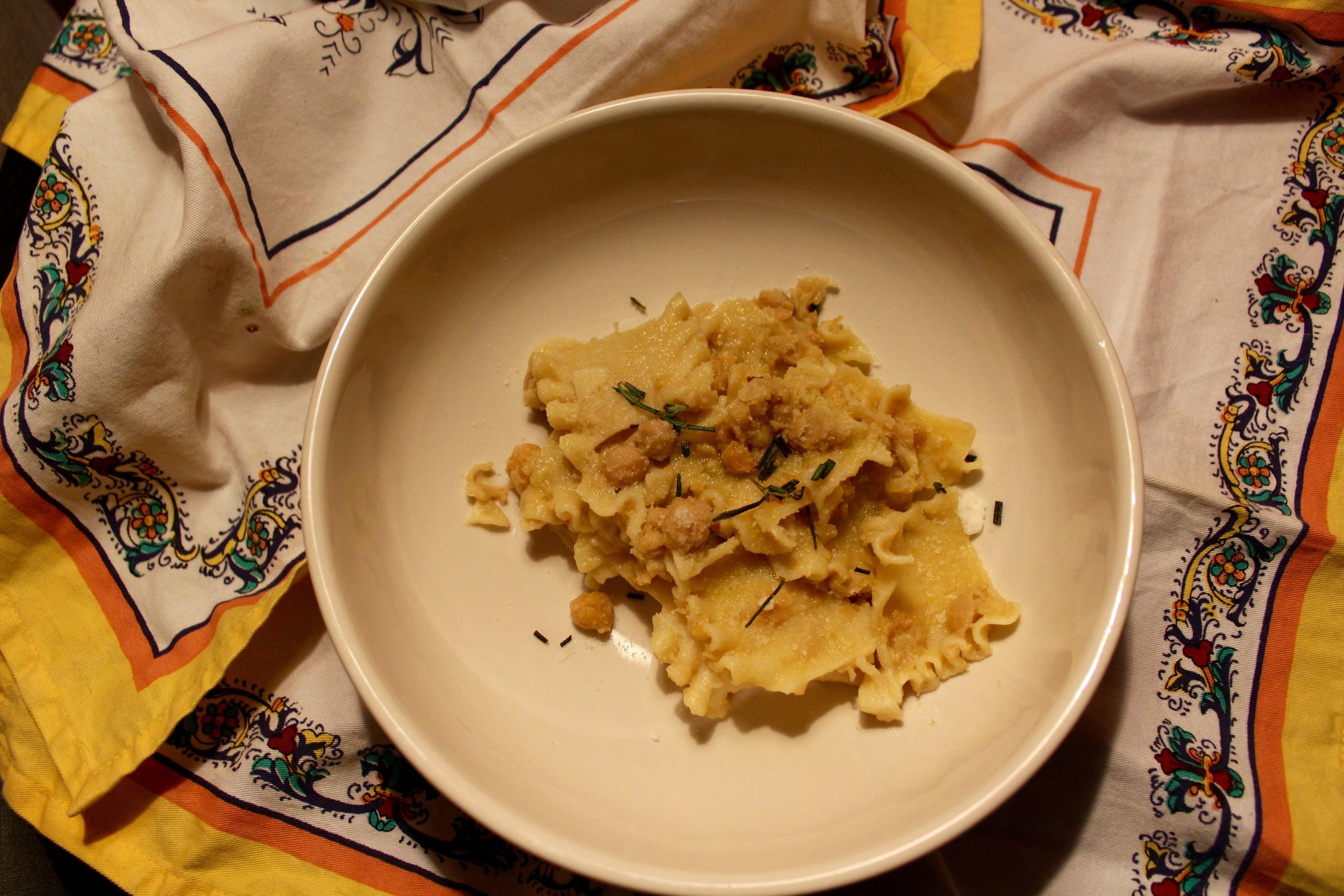 Pasta with chickpeas Pasta con ceci
