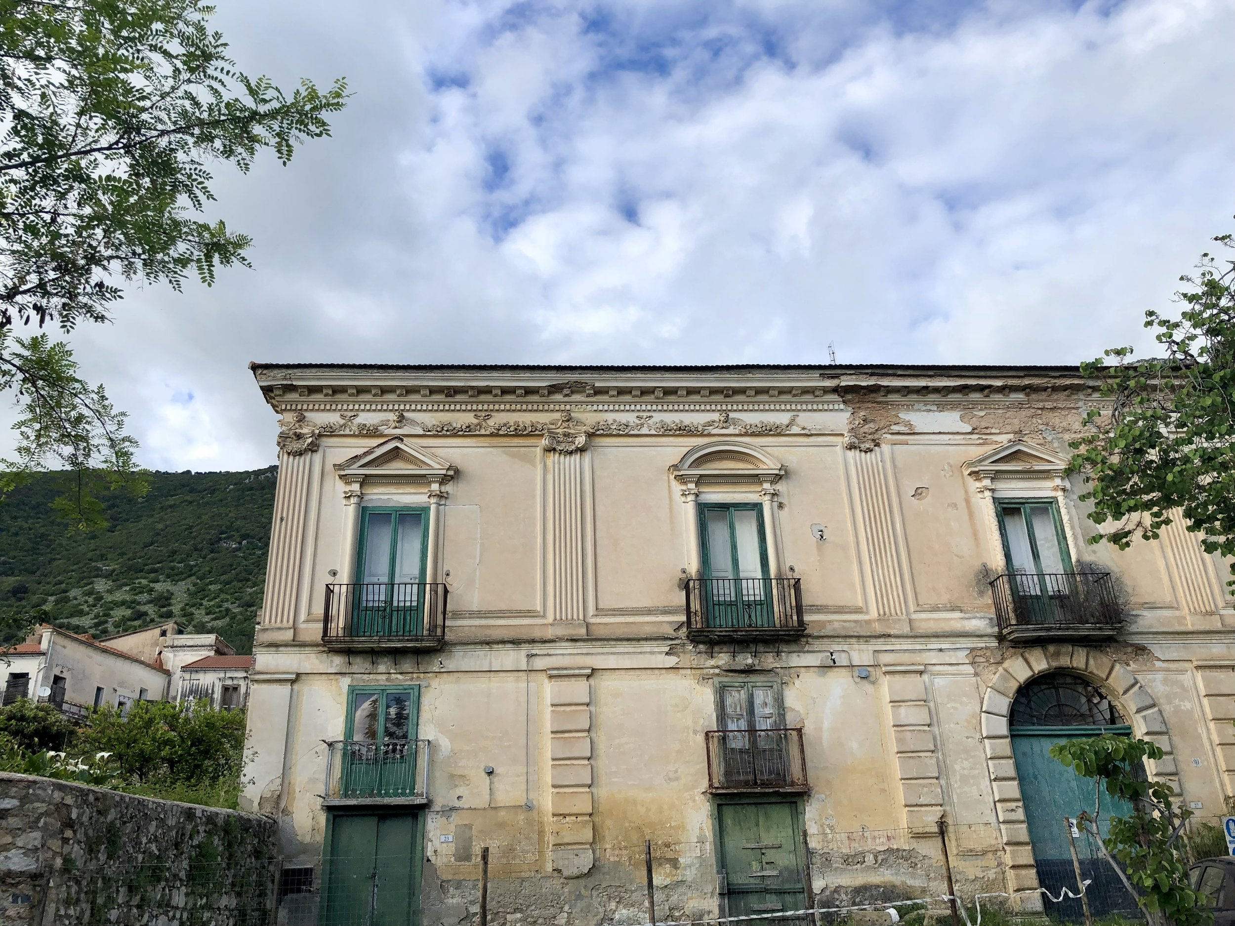 Abandoned palace in Capaccio