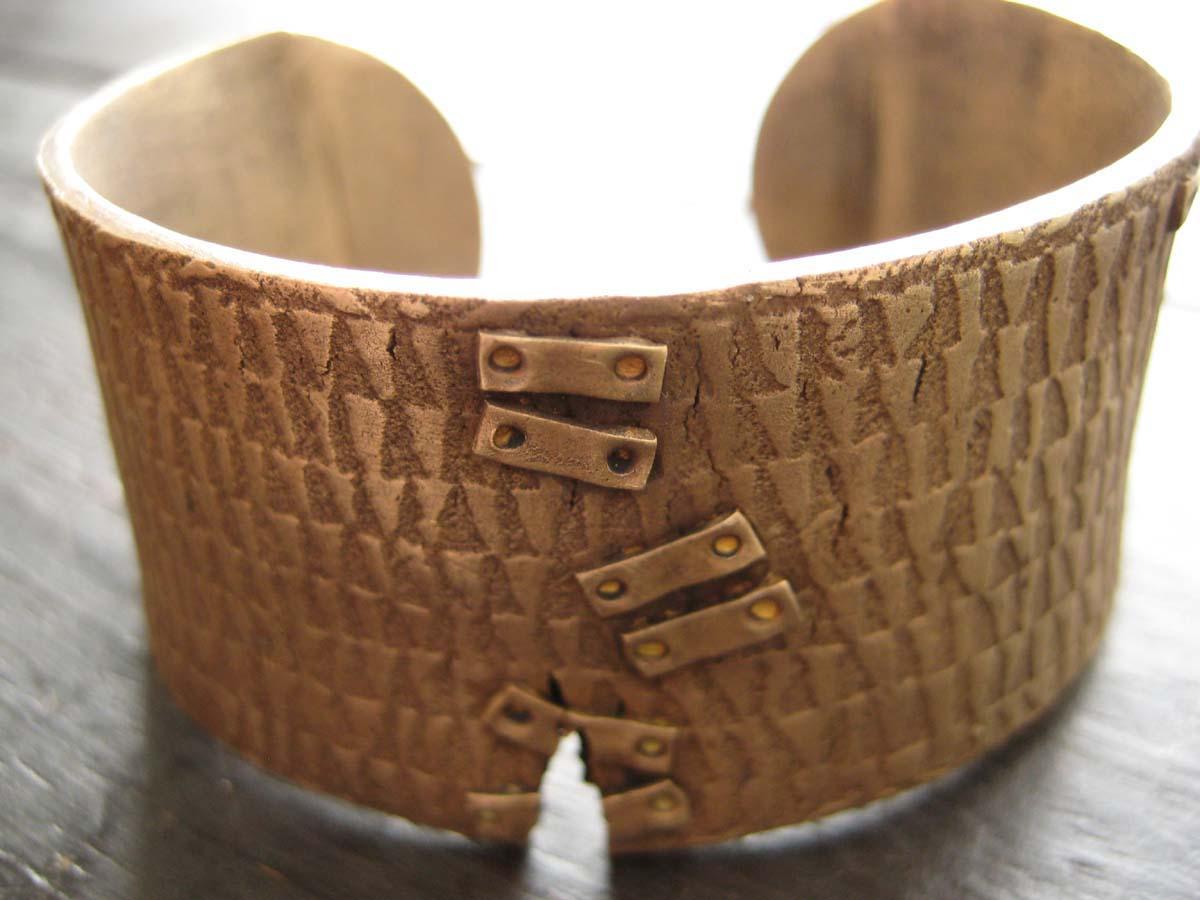 bronzebrace1.jpg