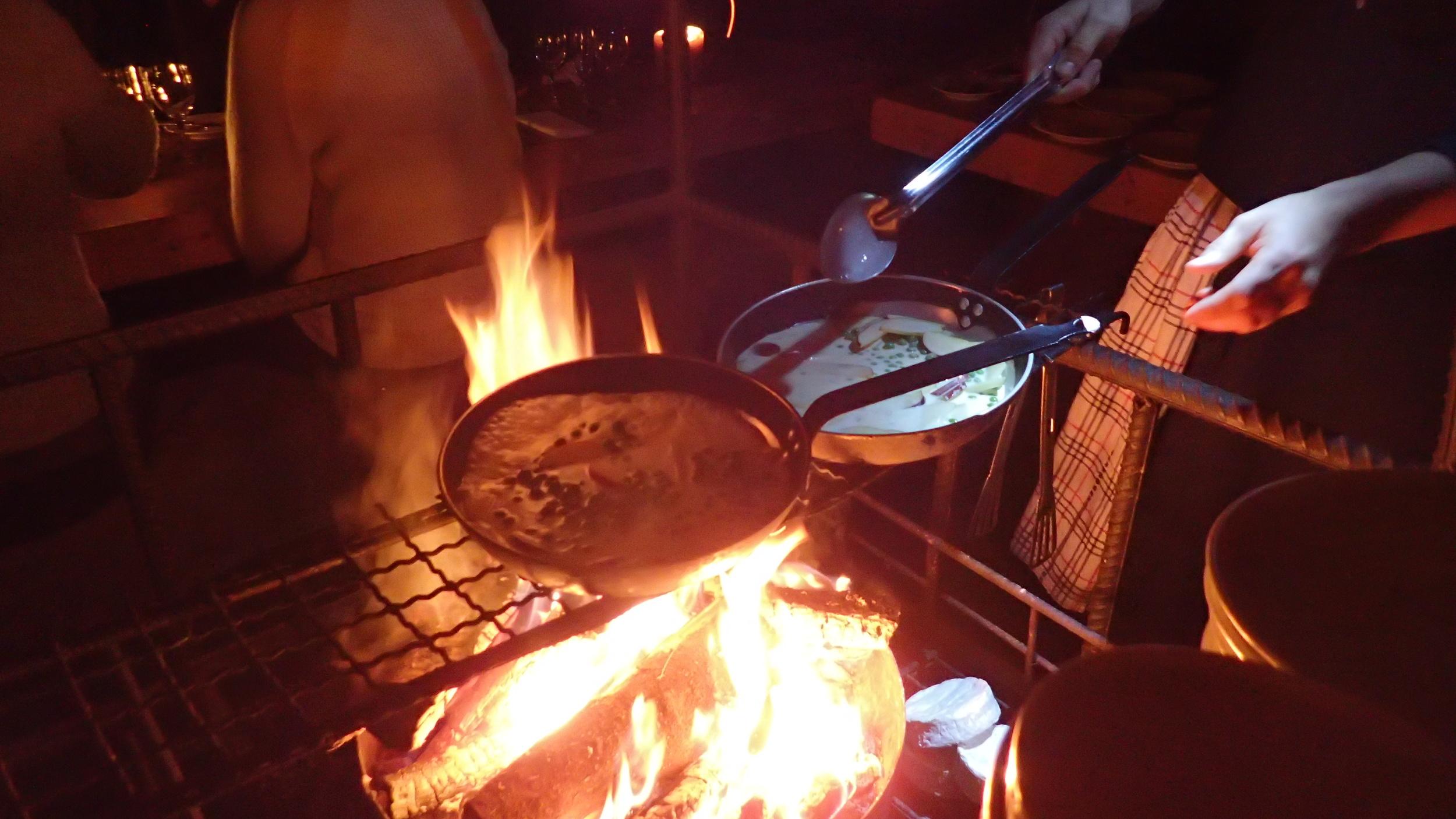Gode smaker laget på bålet