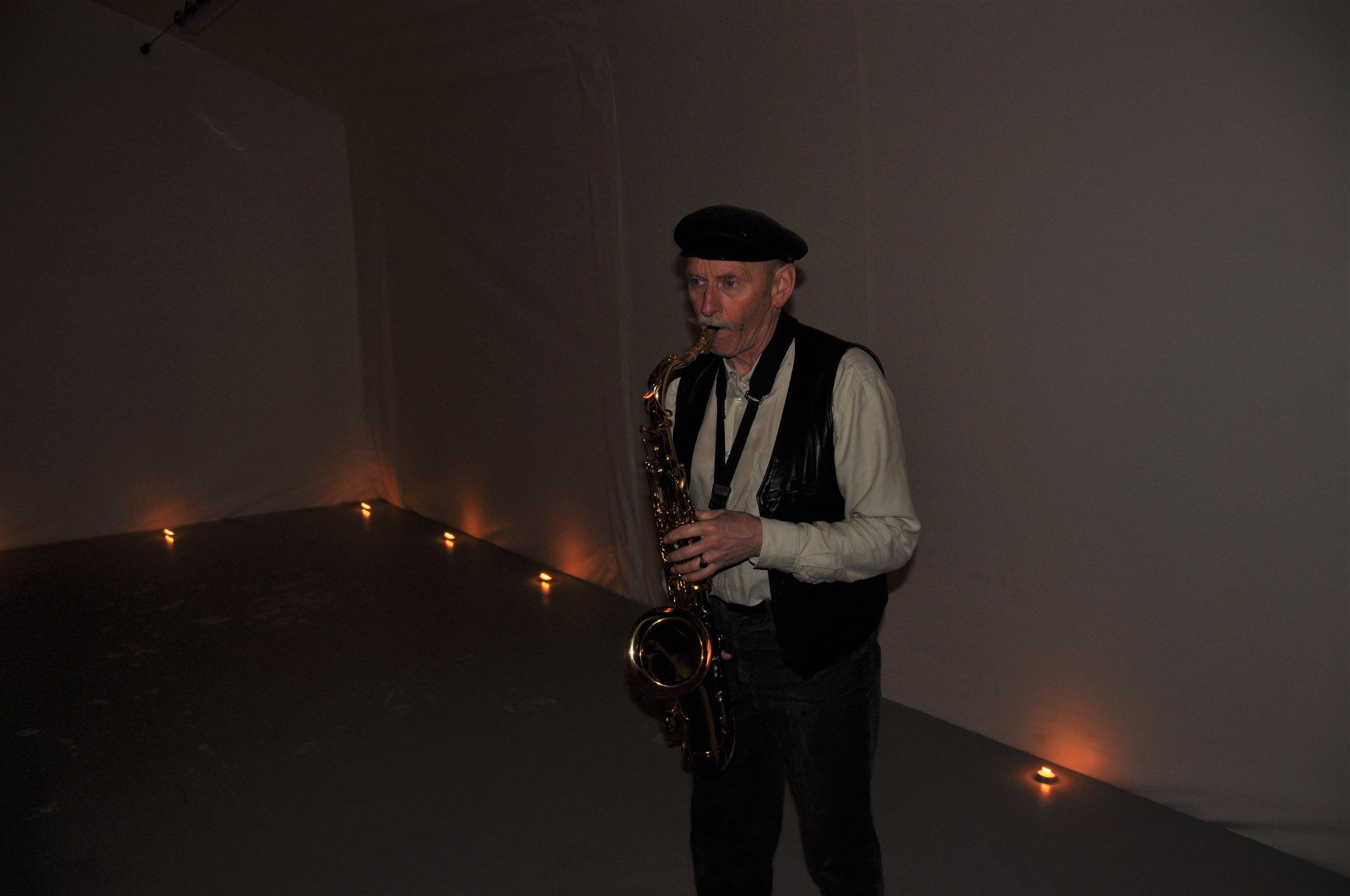 Saxofonist i fjellhall