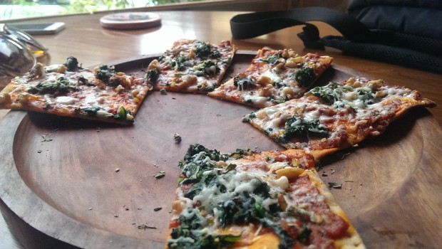 Spinach and Walnut Pizza @ The Birdsong Cafe, Bandra