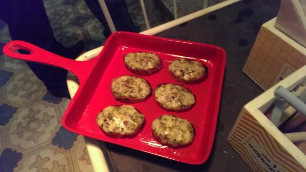 Garlic Bread @ Hoppipola, Khar