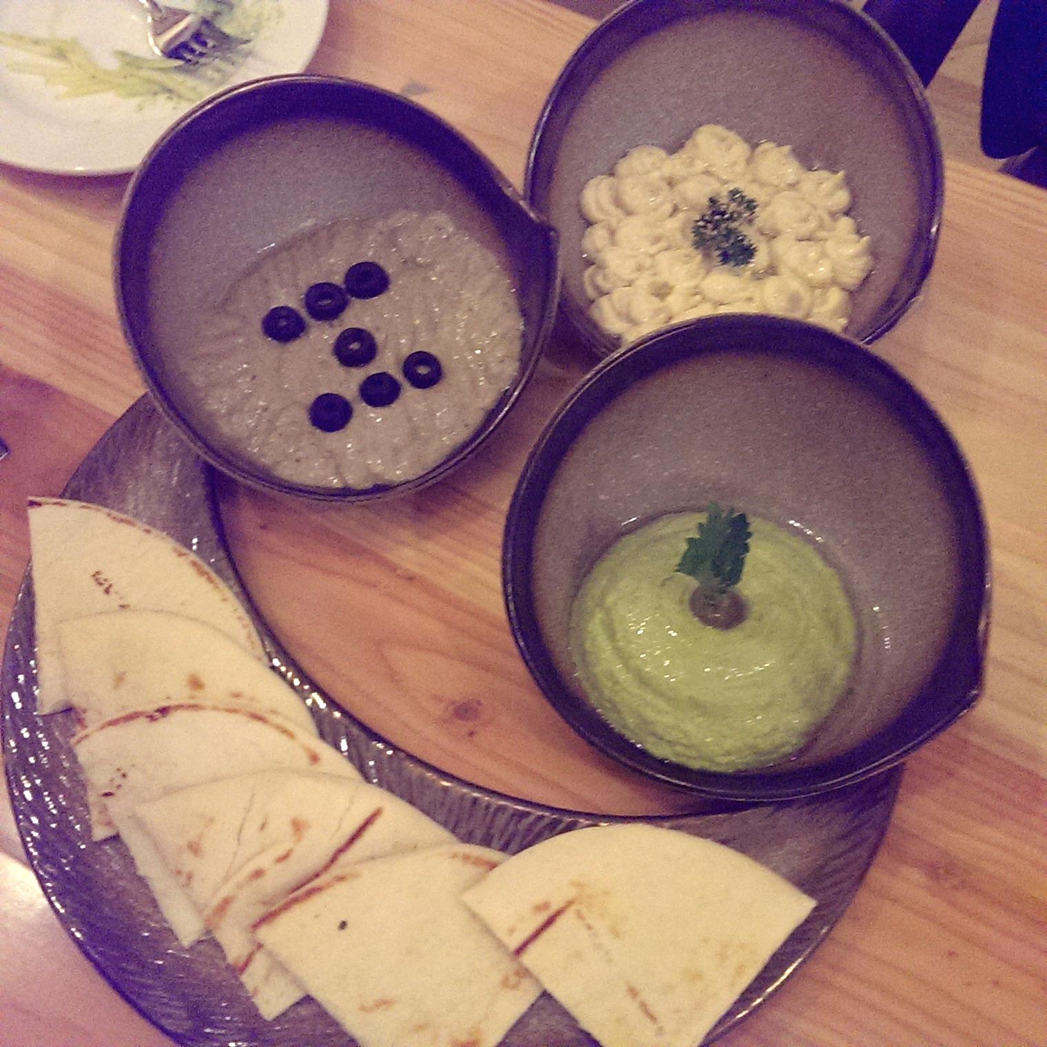 Trio of Hummus @ Ithaka, Lower Parel