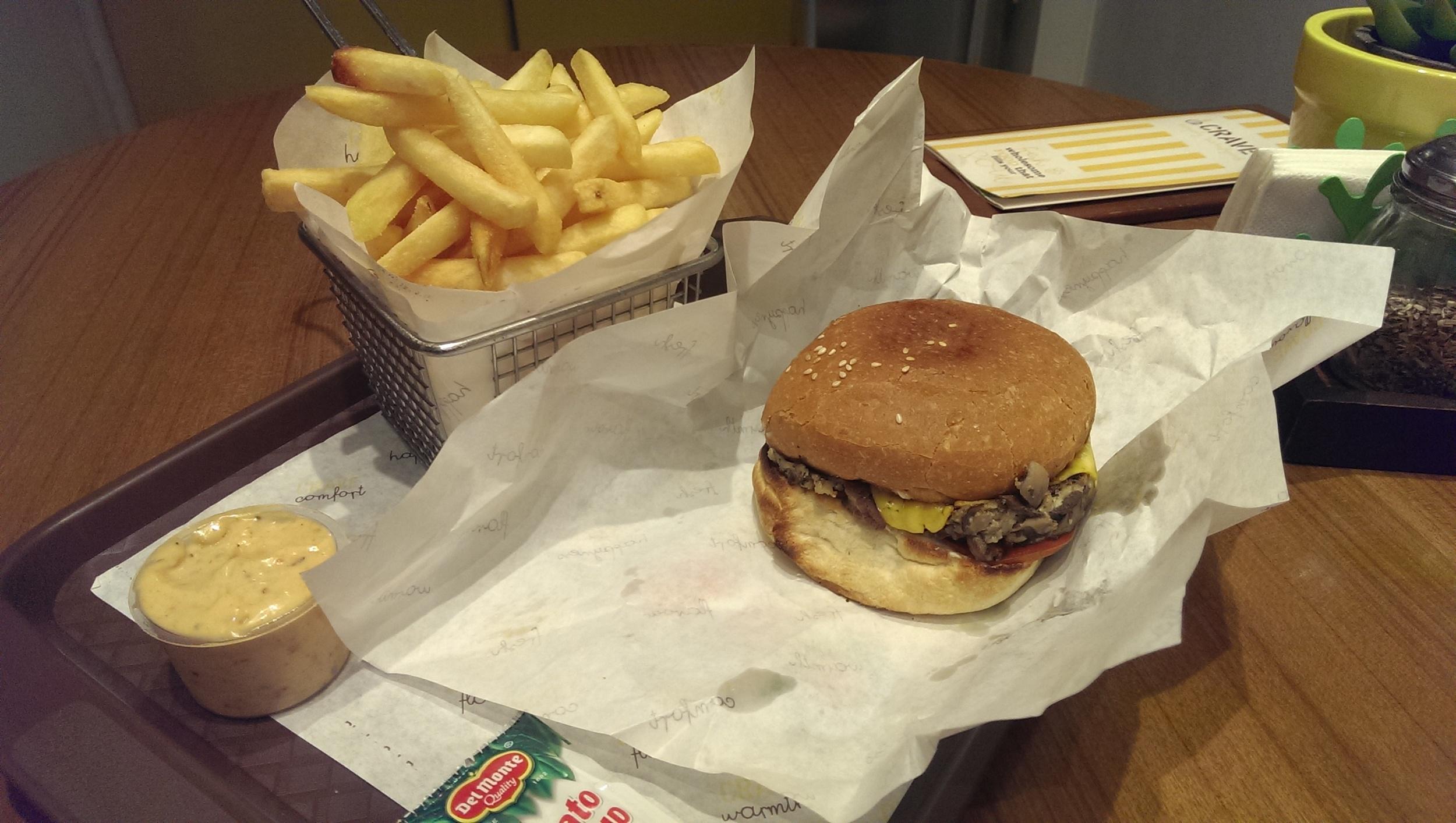 Mushroom Burger @ Crave, Prabhadevi