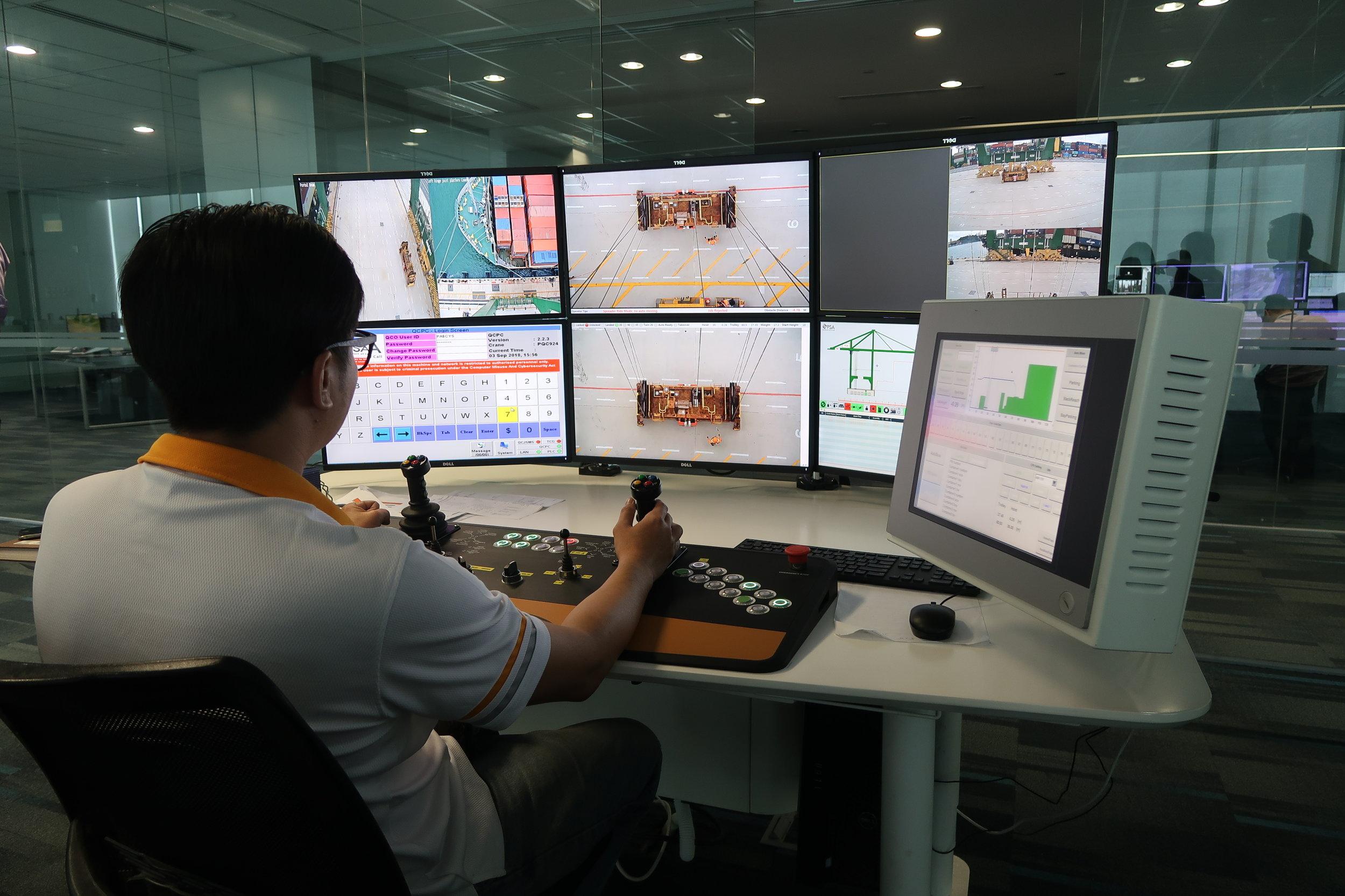 2.Semi-Automated Remote Quay Crane.JPG