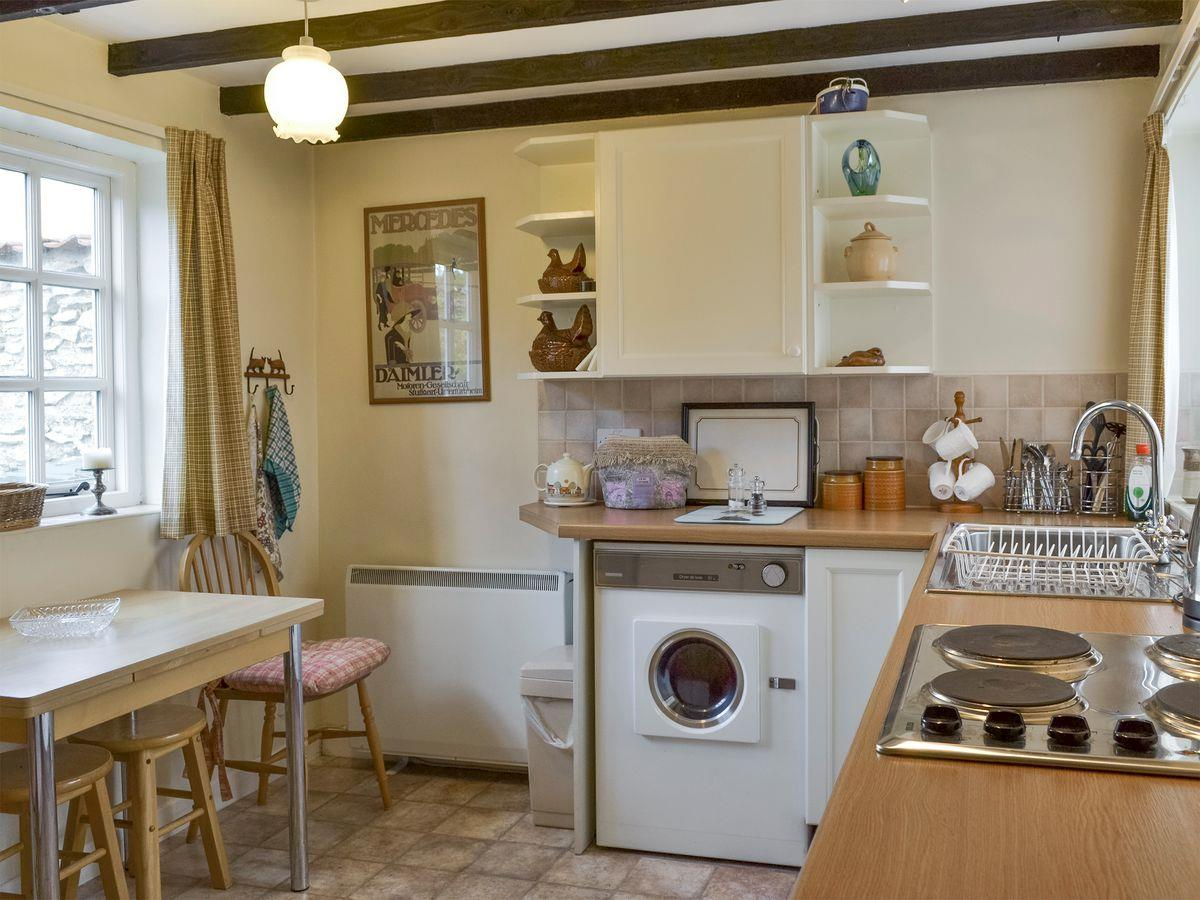 Lilac Cottage kitchen.jpg