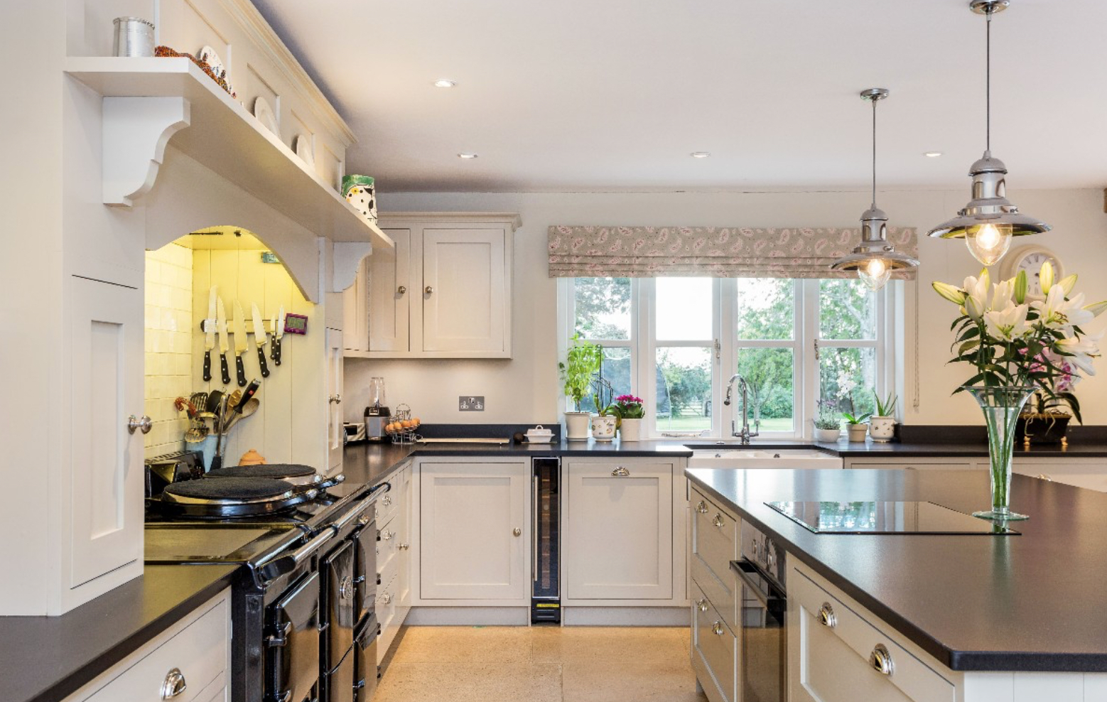 Side kitchen.jpg