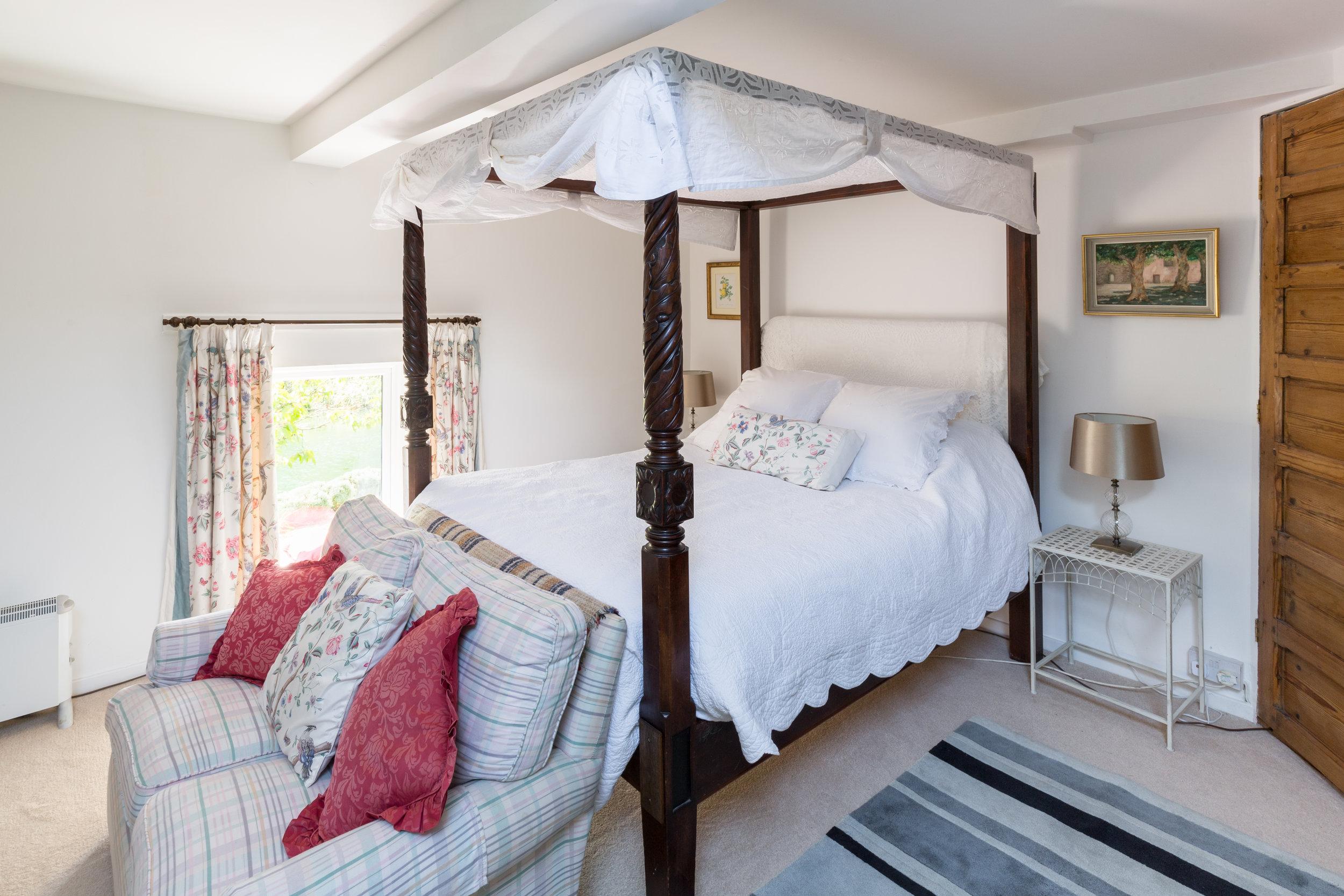Dovecote bedroom 4.jpg