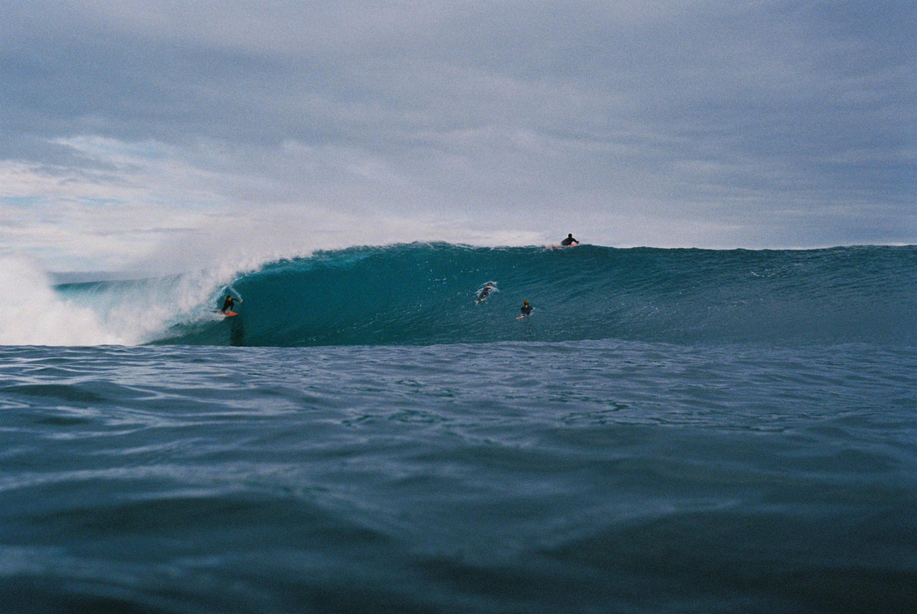 Salt Water Australia surf LG wave 4