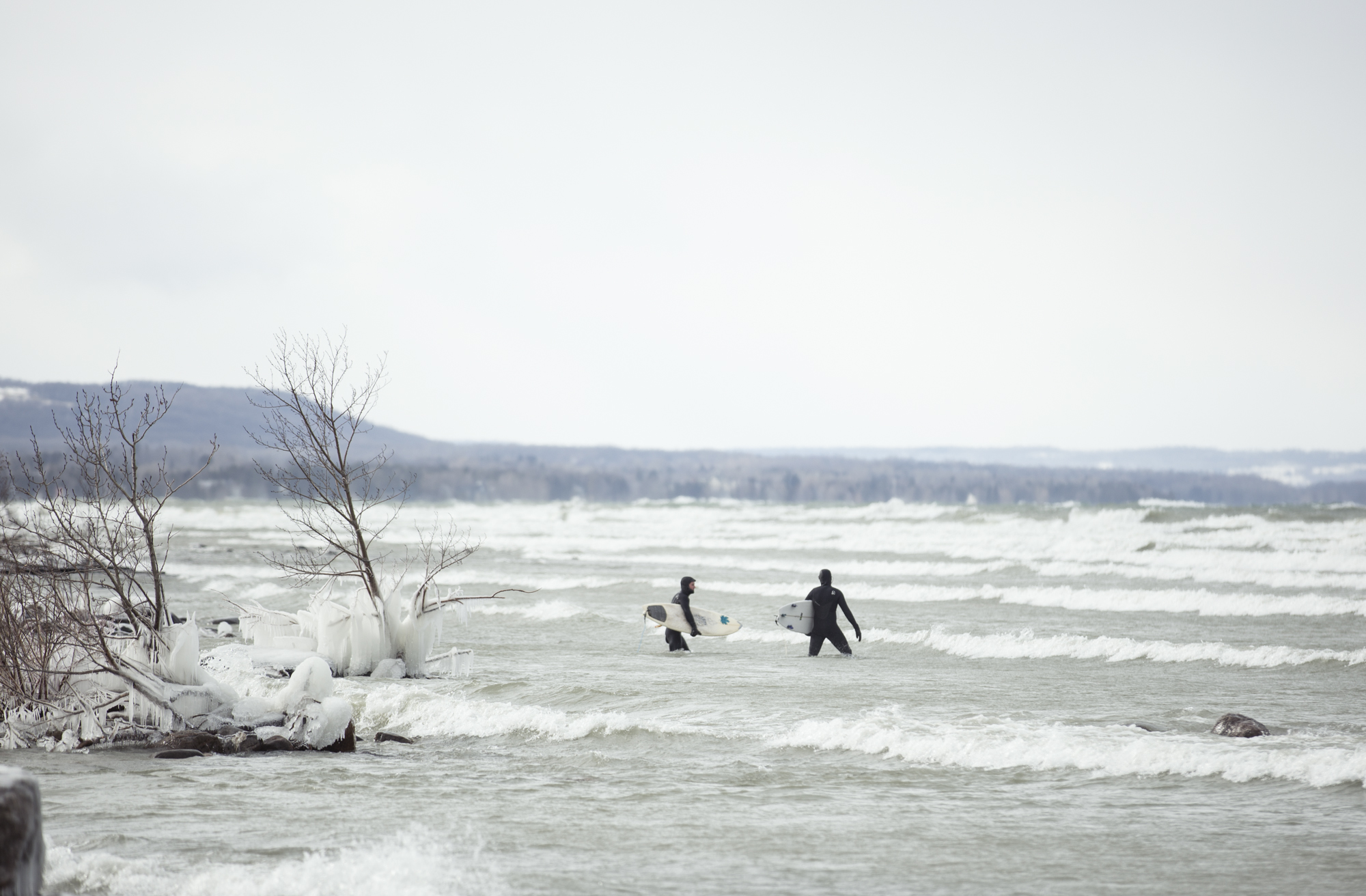 Surfing_the_Great_Lakes_Ontario_Alexandra_Coté_Durrer4.jpg