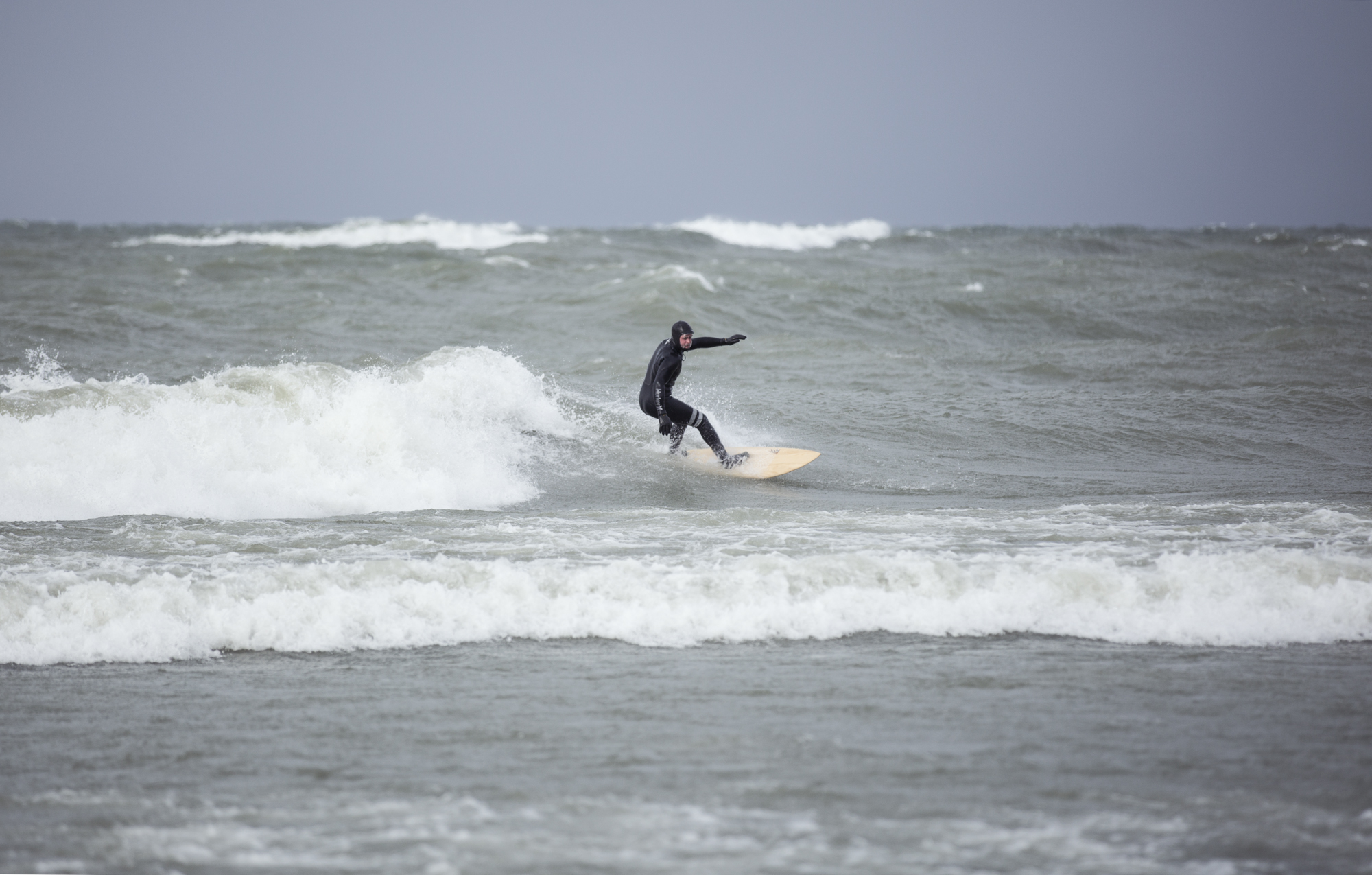 Surfing_the_Great_Lakes_Ontario_Alexandra_Coté_Durrer1.jpg