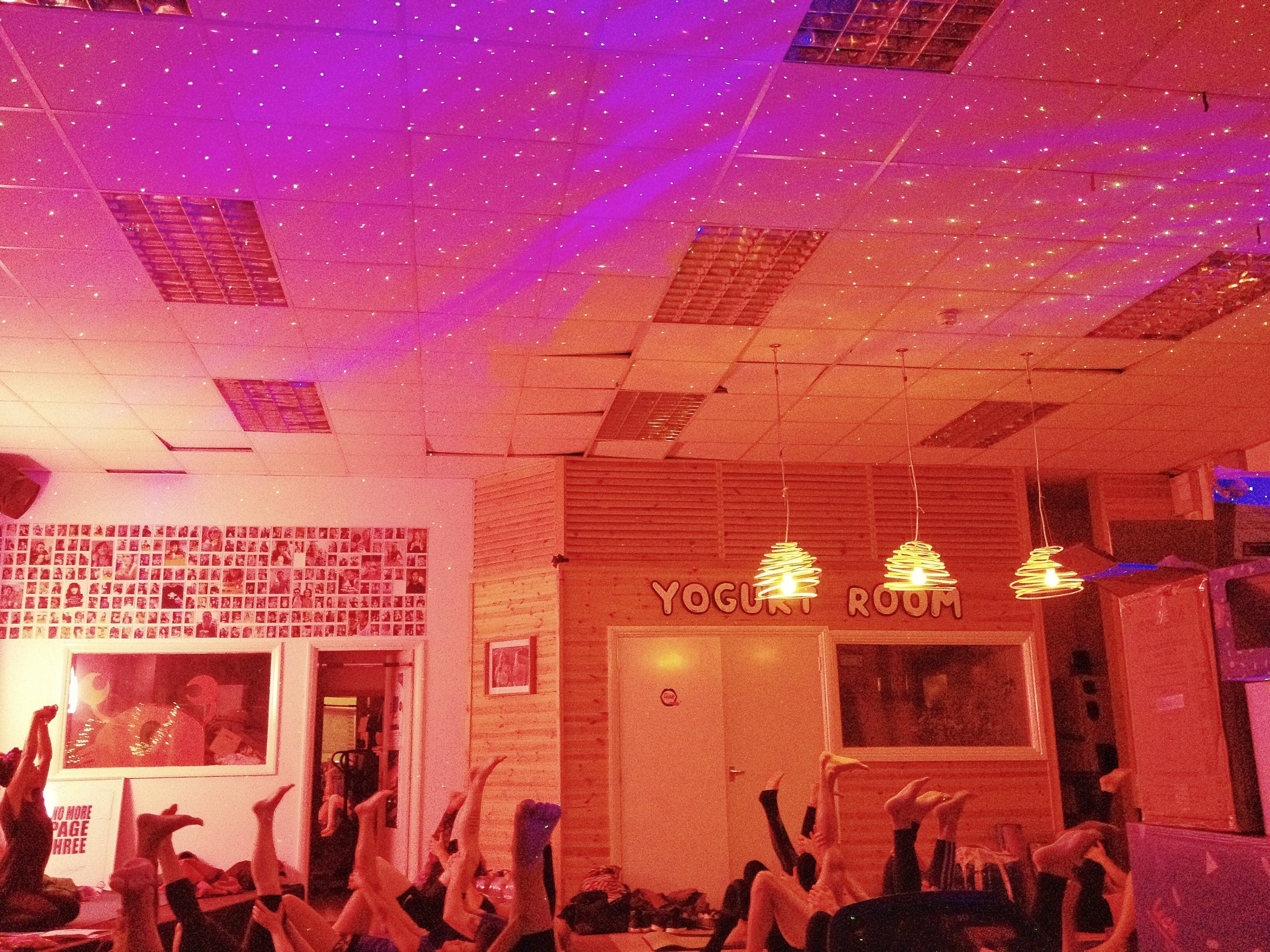 Lick Yoga - Pay what you can community yoga class in Brighton (UK) + free fro-yo!