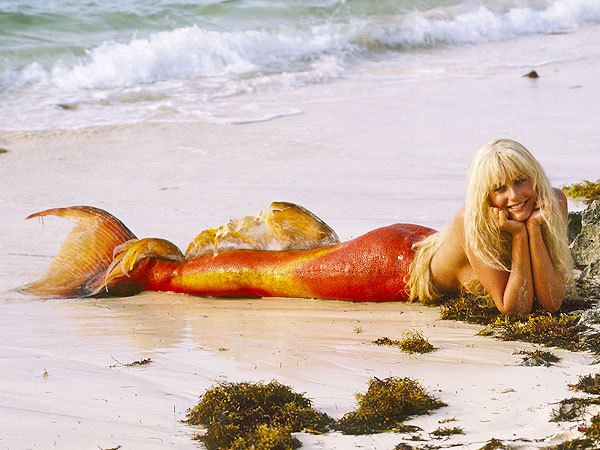 Daryl Hannah doing the most. Iconic!