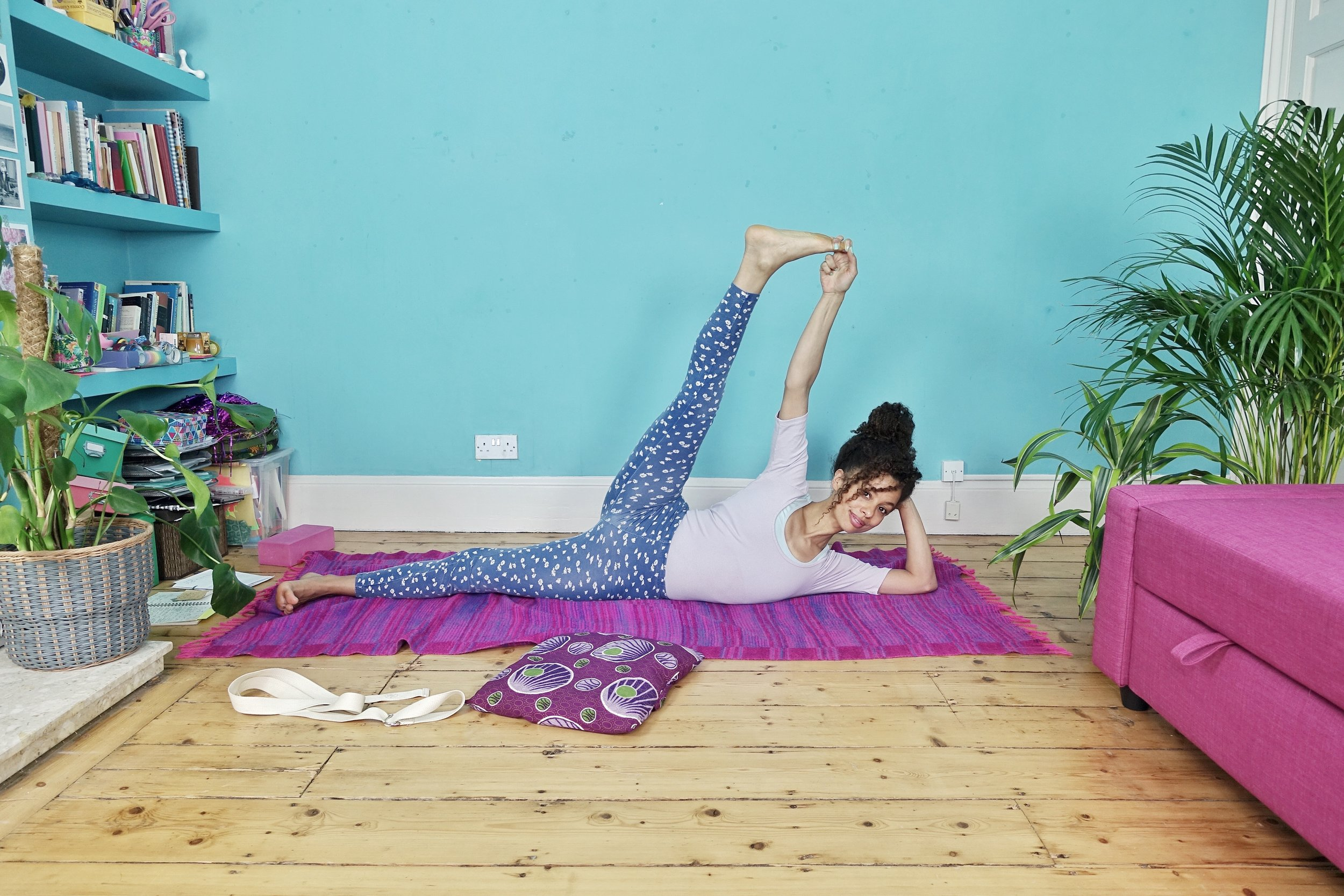 Dionne Yoga Side body chill.jpeg