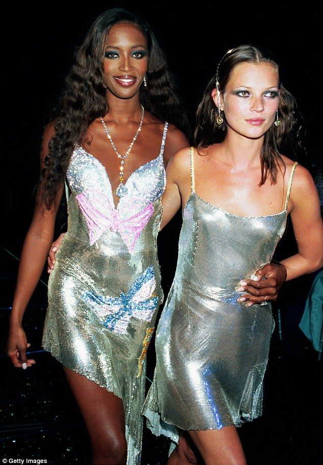 Naomi Campbell and Kate in Versace chainmail slip dresses at the Diamonds Are Forever charity gala (1999)