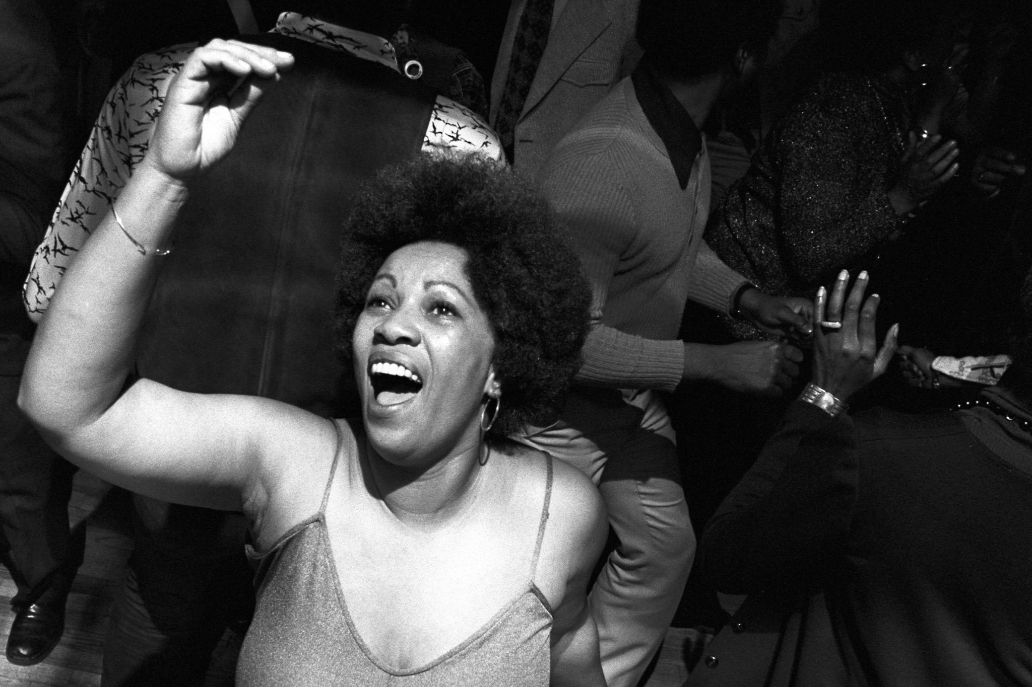 Toni getting her life and delivering us at a New York disco, 1974. ⁣⁣