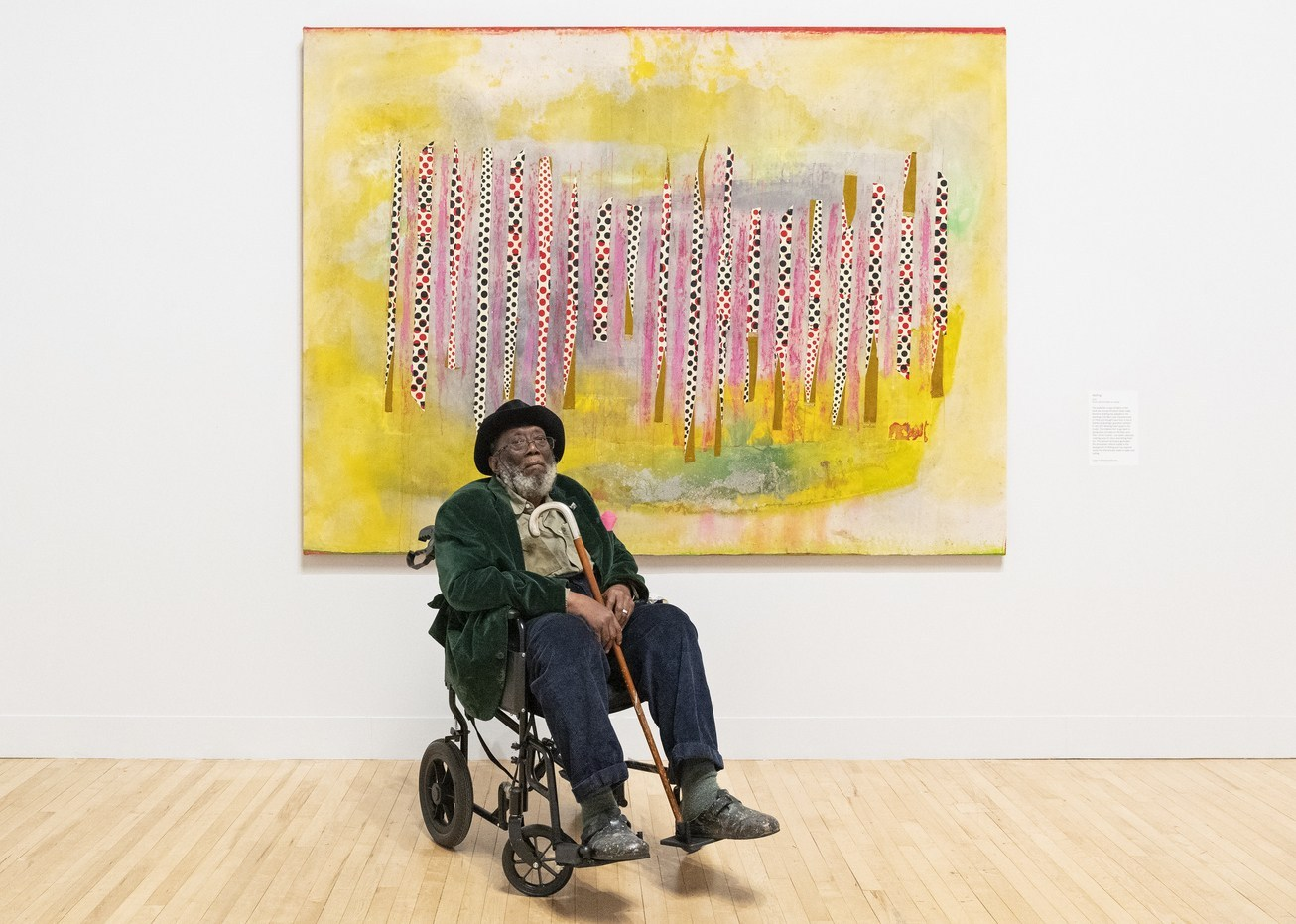 Frank Bowling at Tate Britain, in front of his painting 'Wafting'. Photo: Tate/ Matt Greenwood