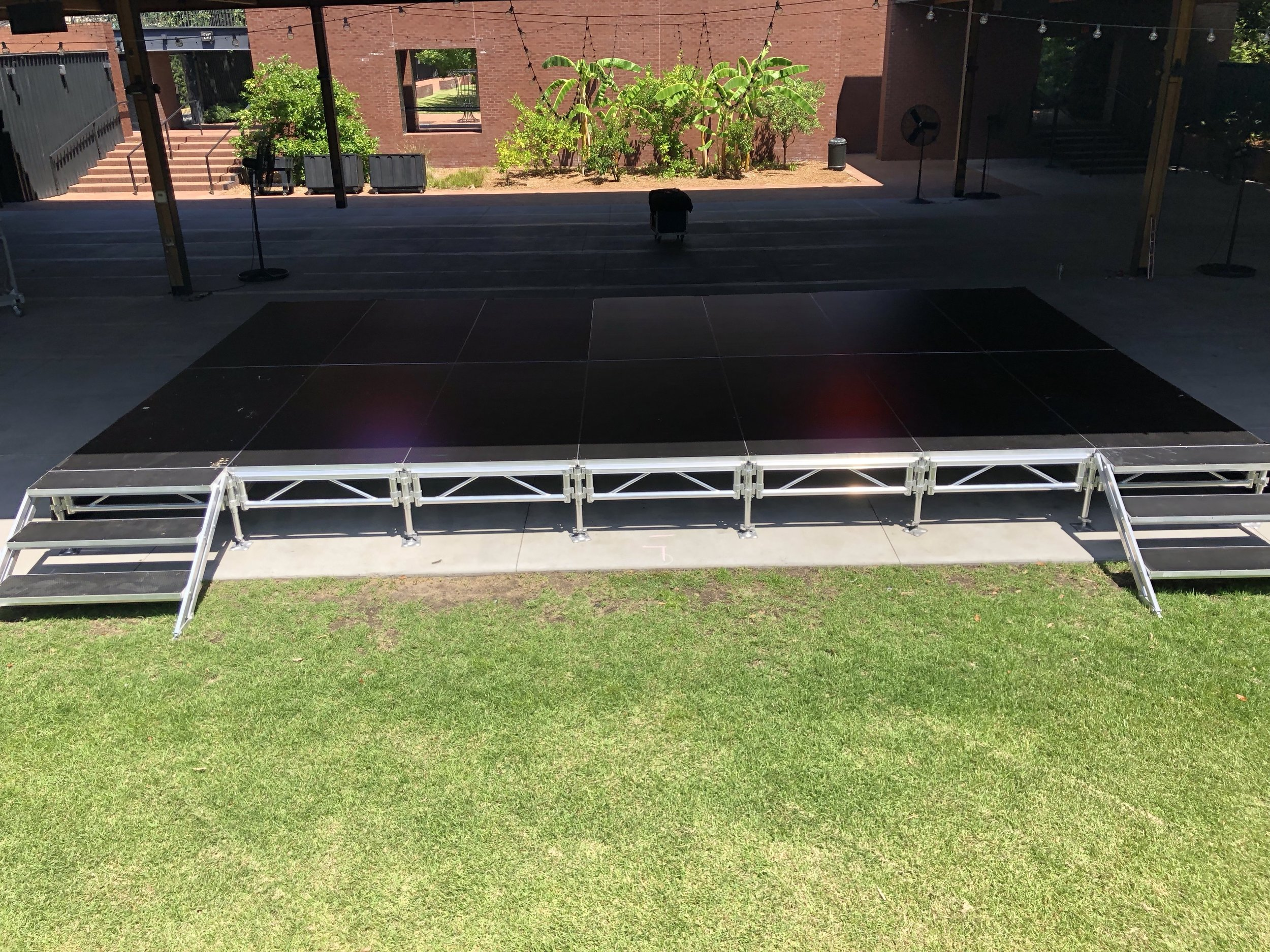 16x28 Stage (4x8 Sections)