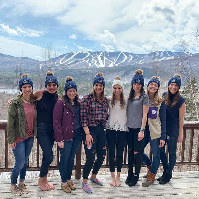 The next time this crew heads up the the mountains, we'll be celebrating our favorite people getting MARRIED!!🏔💍🍾 #samecrewdifferentmountain #courtsknightinshiningamer
