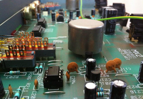 Analogue circuitry with transformer