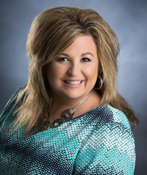 Tonya LeGrande-Labenz has 24 years of experience in ministry. She has received in-depth training from Life Teen International, Inc. and has lead over 60 group retreats. For the past 4 years God has been stirring in herhearts to use her gifts and create a retreat for women of all ages.