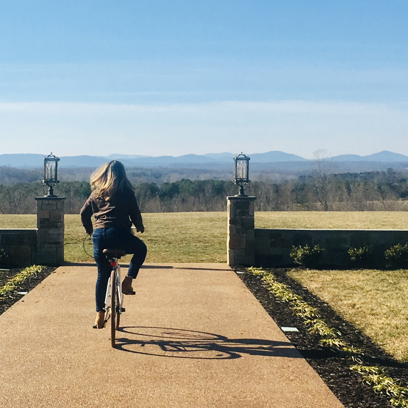 Mount Ida Sunset Excursion Flights in Fall October 20 3pm-7pm - Ride, then sip flights while the sun falls behind the Blue Ridge MountainsMount Ida Reserve Tasting Room and TaphouseRIDE • SAVOR • CONNECT