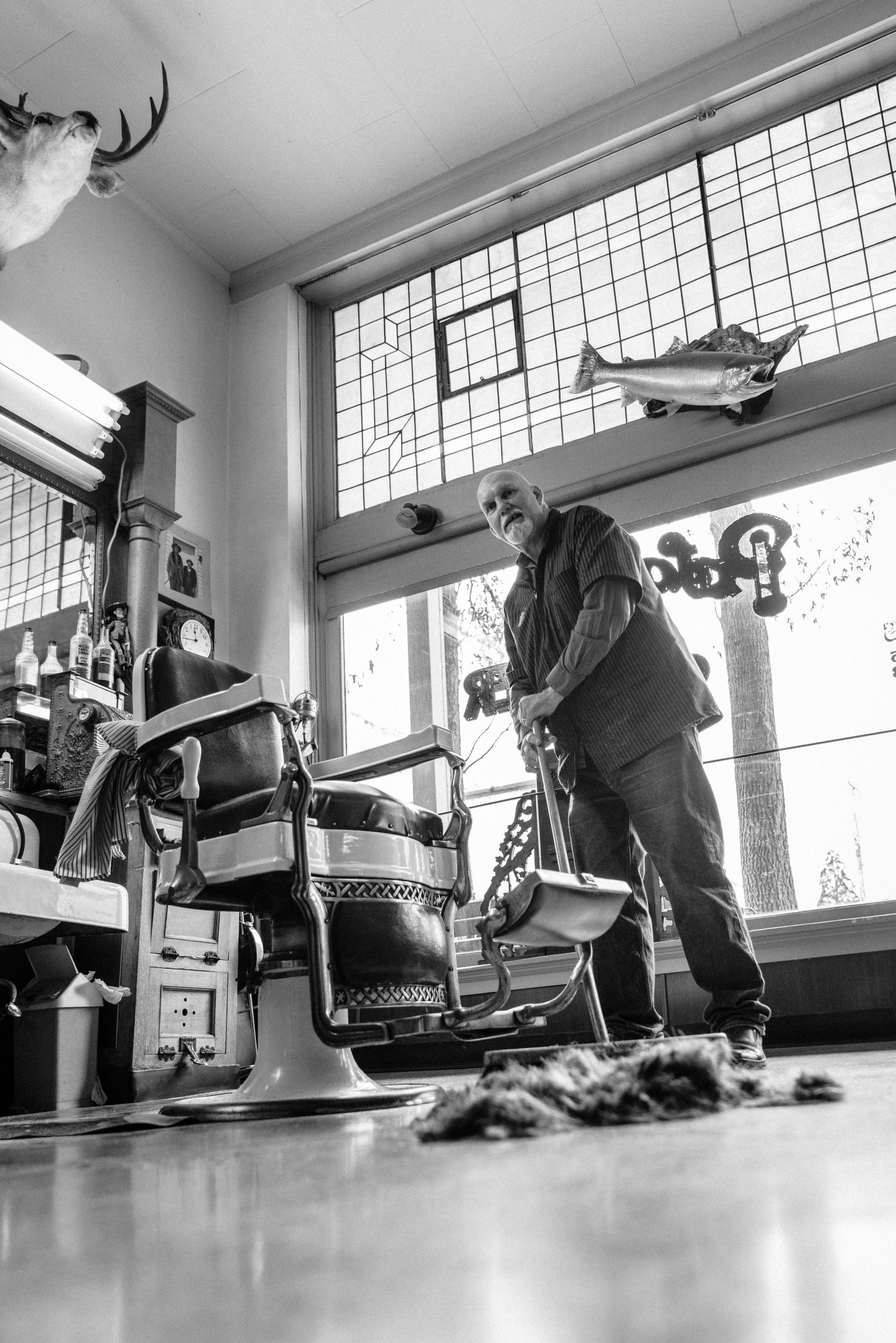 The Palace Barbershop in Yreka, CA photographs by Josué Rivas