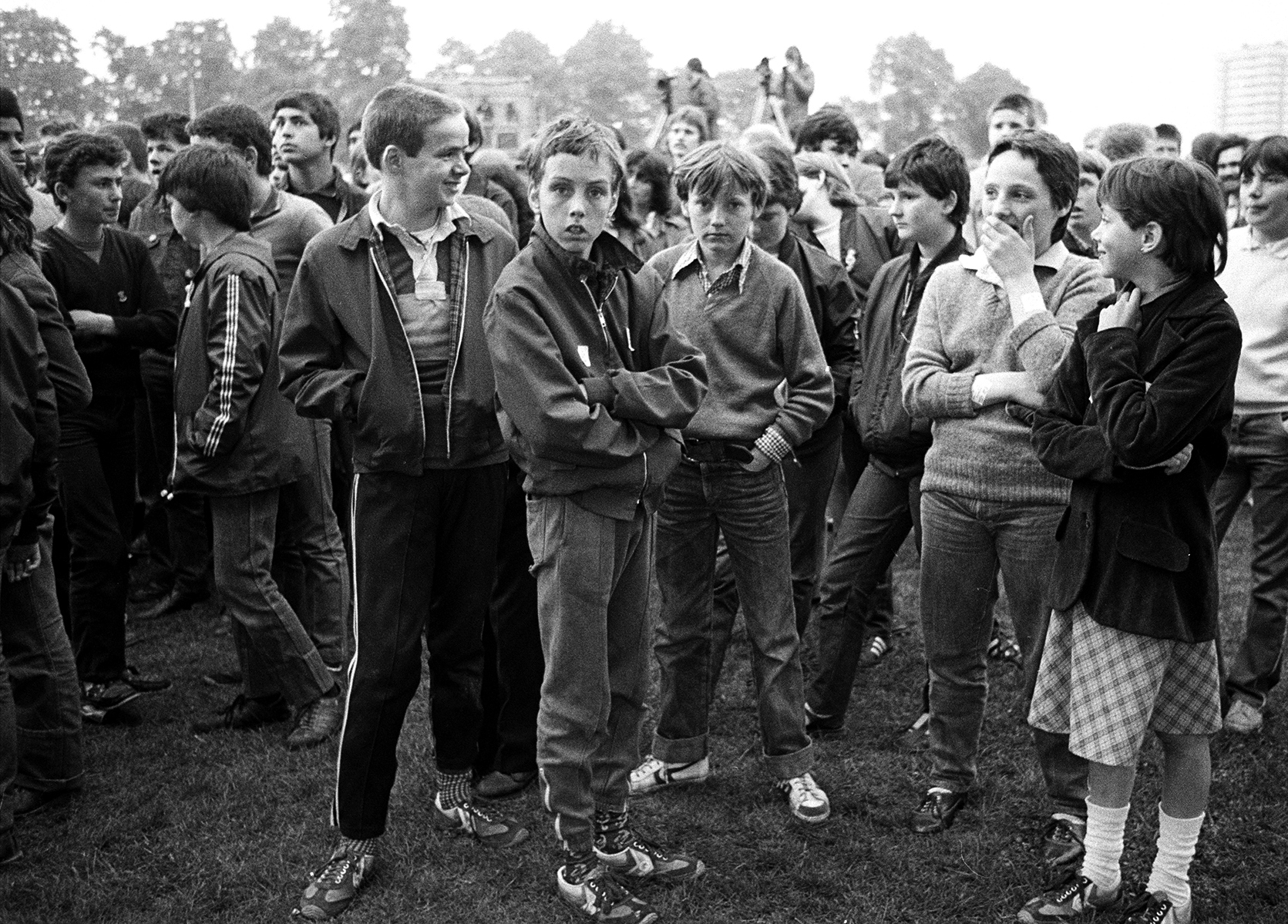 Young mods at a Jam show by Janette Beckman courtesy of Fahey/Klein