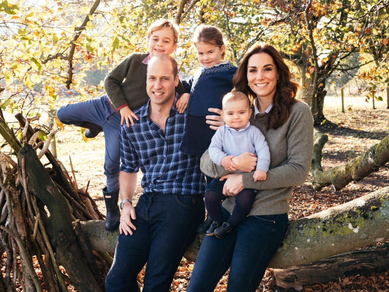 prince-william-and-kate-middleton-s-second-christmas-card-revealed__354502_.jpg