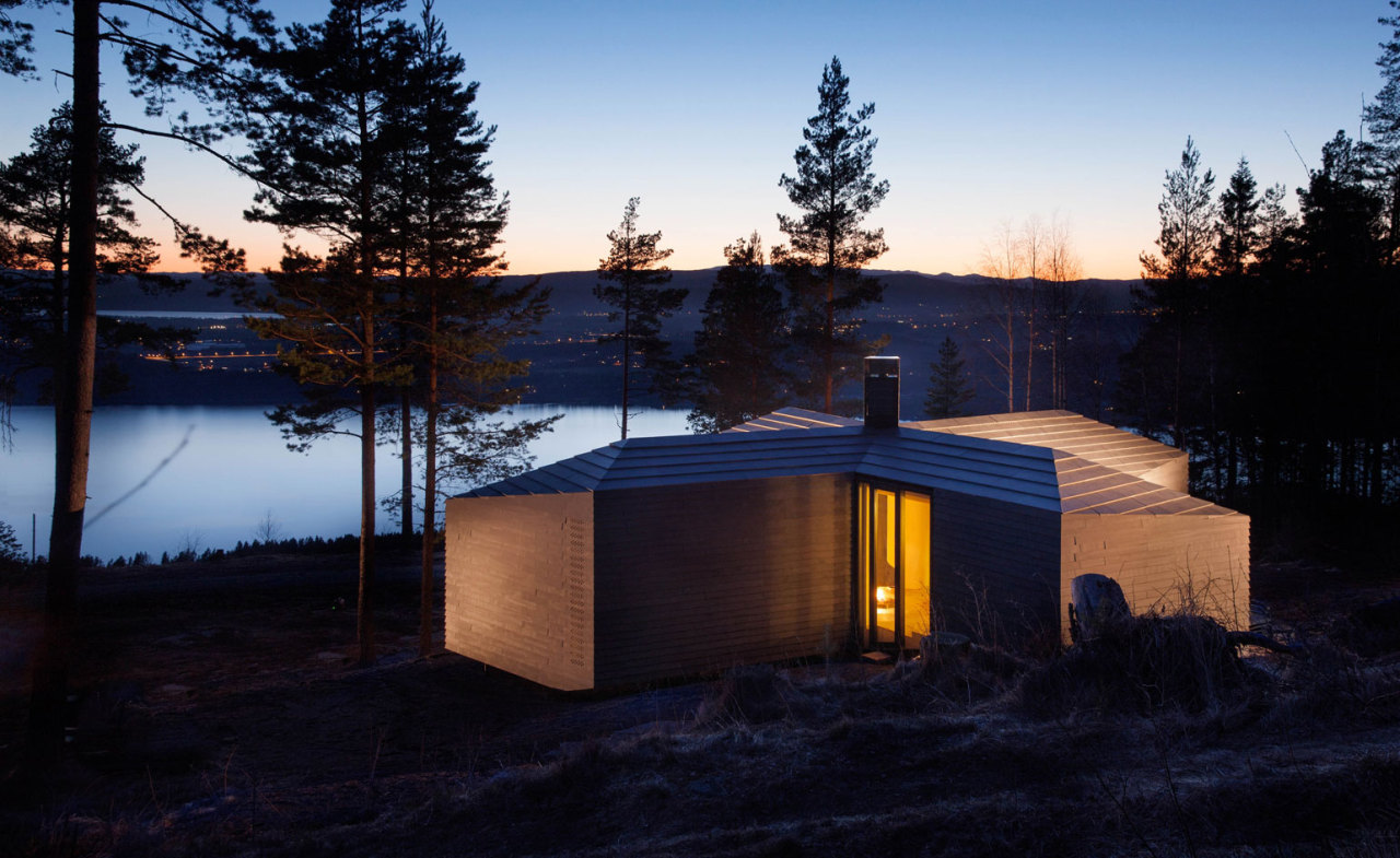 wallpapermag :      Atelier Oslo provides shelter at all angles with Cabin at Norderhov