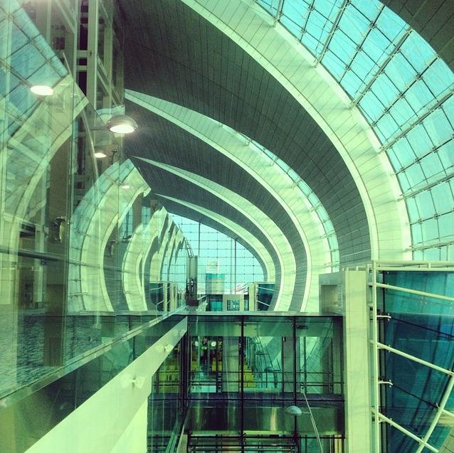 creativehouses :     Dubai Airport, Emirates A380 Hub    Source:  lakesleeds (reddit)