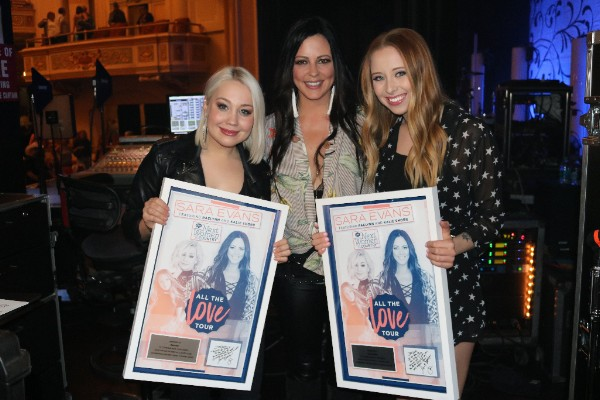 RaeLynn, Sara Evans and Kalie Shorr at Saenger Theater (Mobile, AL) on April 7 for the final stop of CMT's 4th annual Next Women of Country Tour
