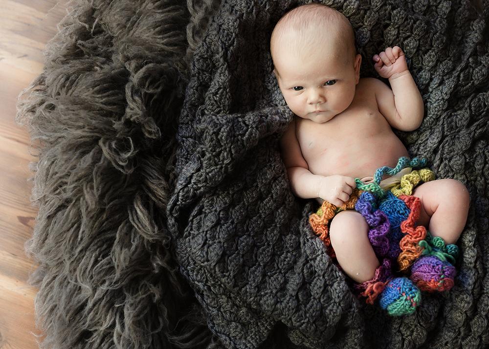 Baby Caitlin Sneak 4_Edmonton Newborn Photographer.jpg