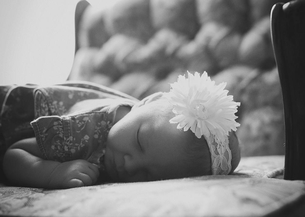 Baby Kira Fresh 48 Sneak 9_Edmonton Newborn Photographer.jpg