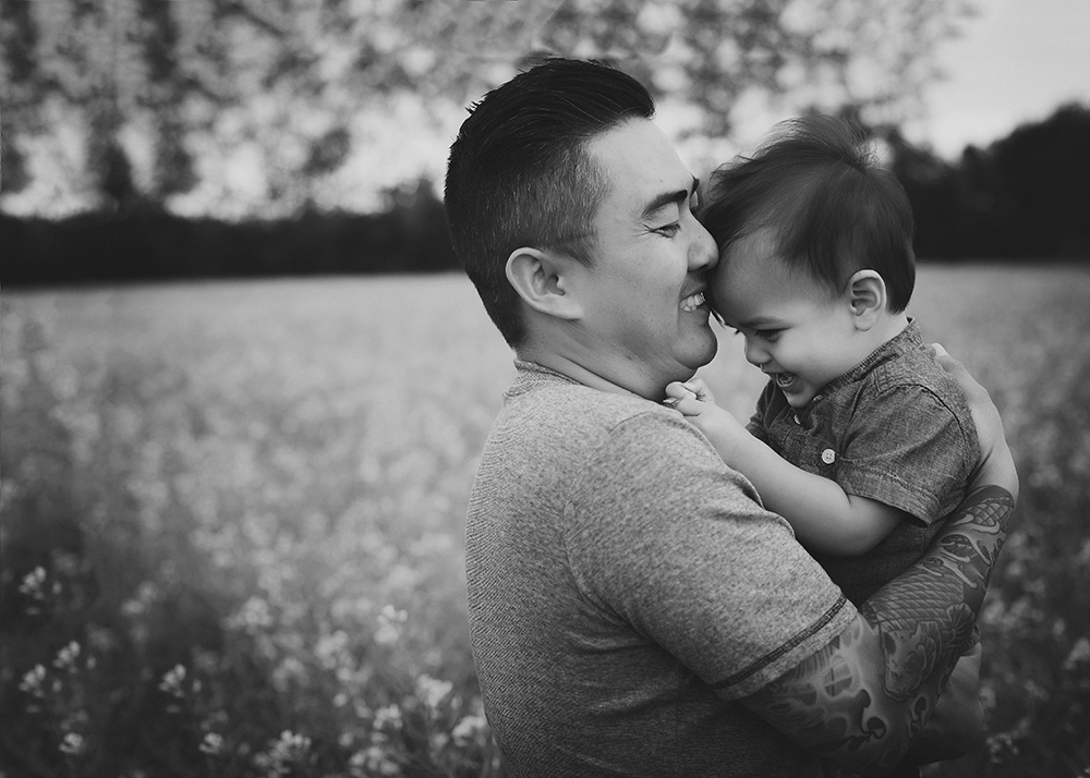 Nguyen Sneak 2_Edmonton Family Photographer.jpg