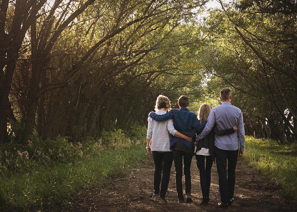 Hillenbrand Sneak 1_Edmonton Family Photographer.jpg