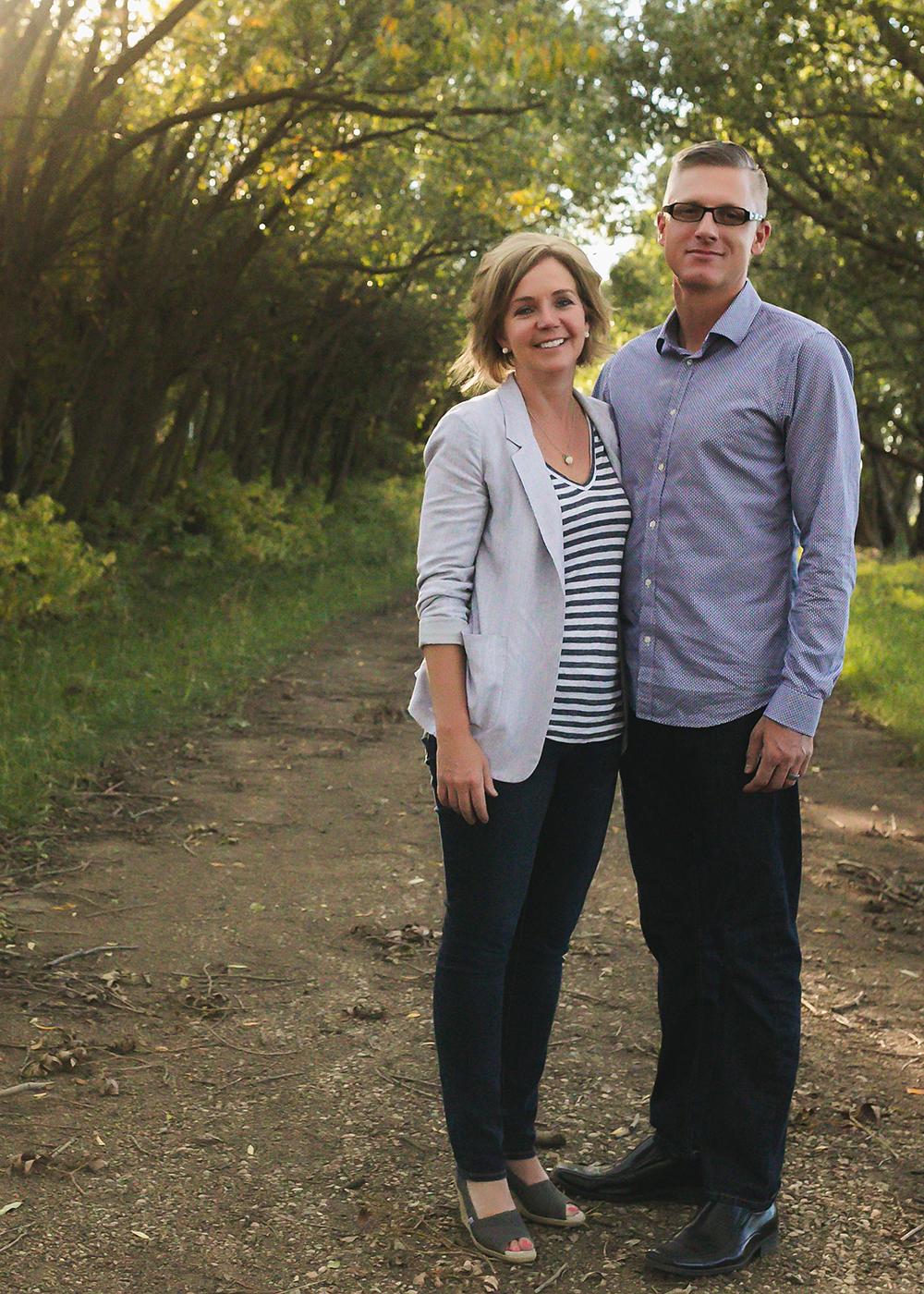 Hillenbrand Sneak 3_Edmonton Family Photographer.jpg