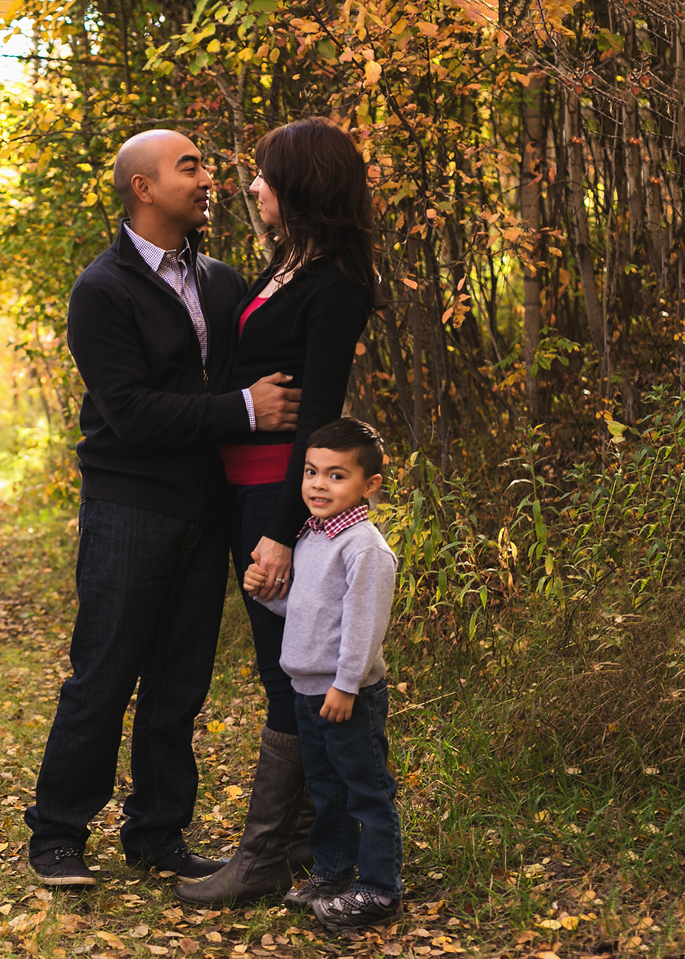 {H Family} Sneak 3_Edmonton Family Photographer.jpg