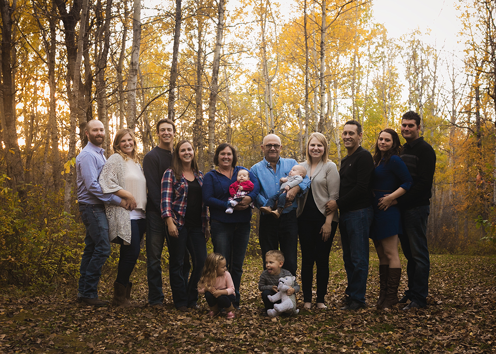 {E Family} Sneak 2_Edmonton Family Photographer.jpg