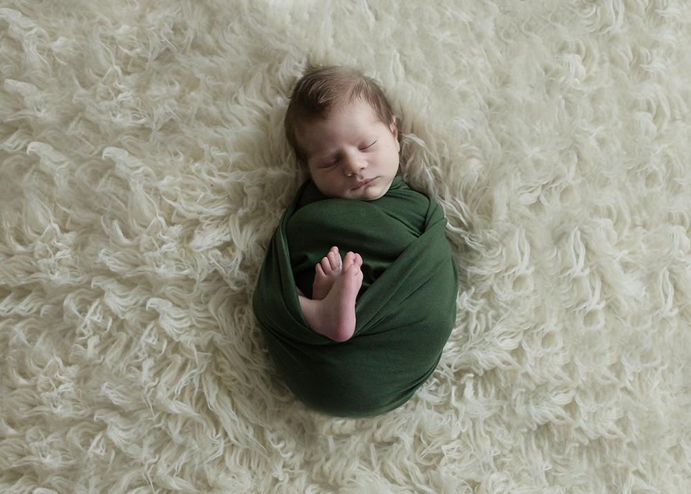 Edmonton Newborn Photographer_Baby Maverick Sneak 8.jpg