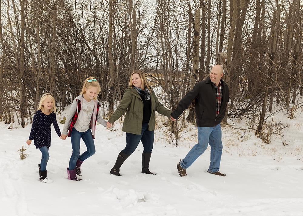 Edmonton Family Photographer_Wiles Sneak Peek 4.jpg