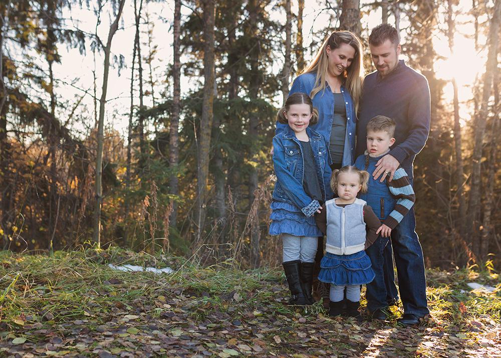 Edmonton Family Photographer_Voss Family Sneak Peek 2.jpg