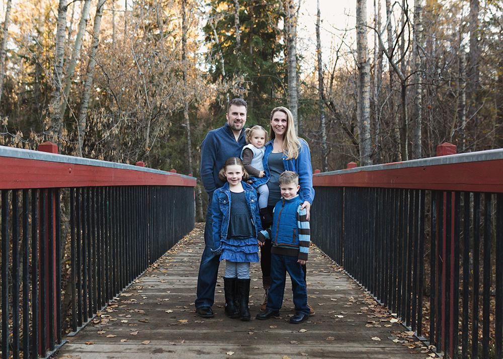 Edmonton Family Photographer_Voss Family Sneak Peek 3.jpg