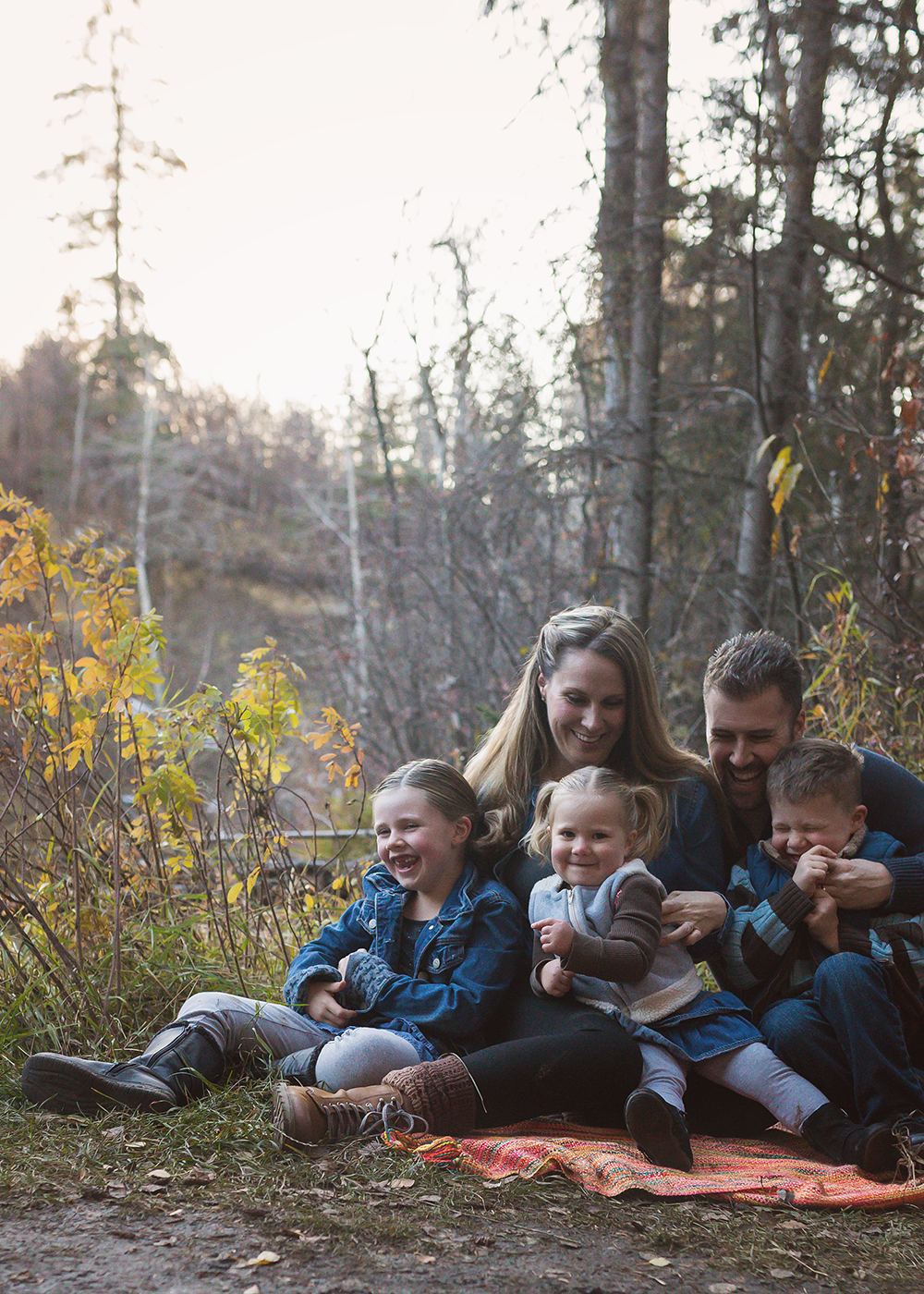 Edmonton Family Photographer_Voss Family Sneak Peek 5.jpg