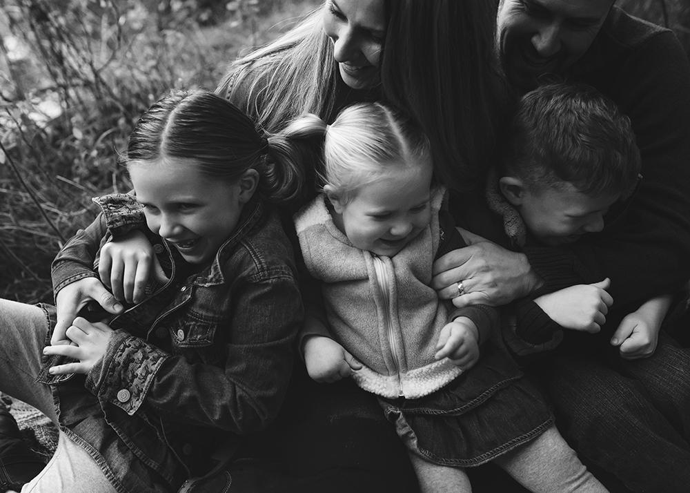 Edmonton Family Photographer_Voss Family Sneak Peek 9.jpg
