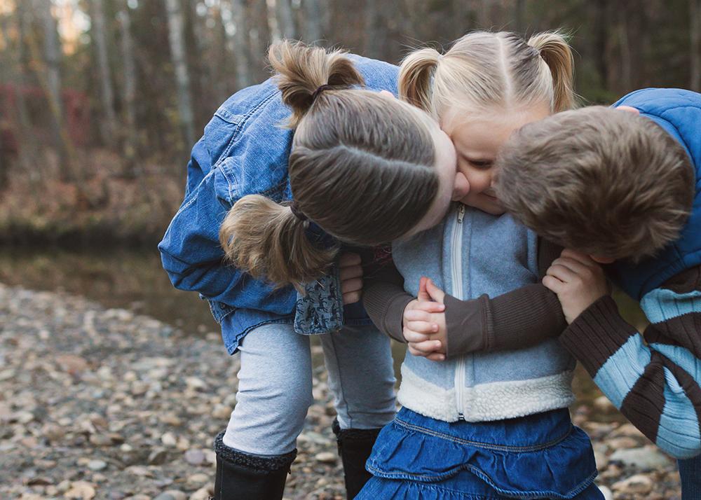 Edmonton Family Photographer_Voss Family Sneak Peek 10.jpg