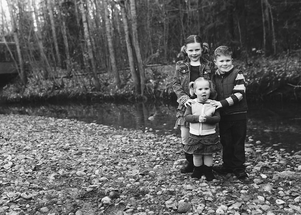 Edmonton Family Photographer_Voss Family Sneak Peek 11.jpg