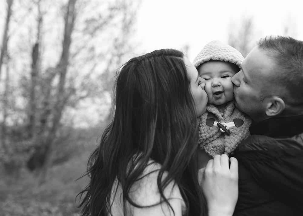 Edmonton Family Photographer_Baby Aria10_10.jpg